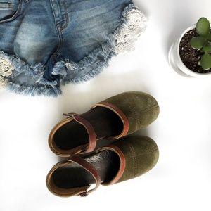 Dansko | Madrigral Mary Jane Shoe Suede Green 37